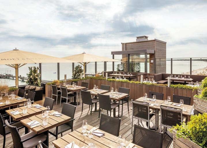 Restaurant ROOF Terrasse