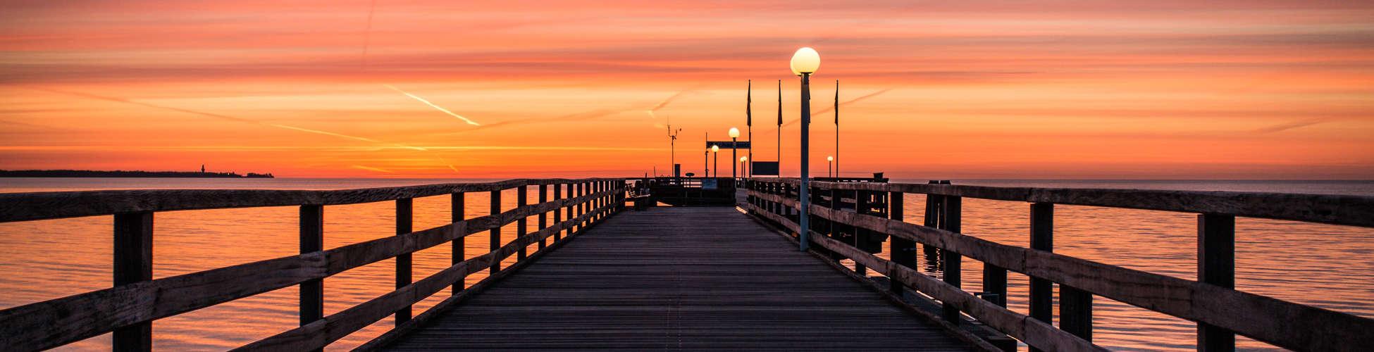 Seebrücke Scharbeutz im Sonnenaufgang